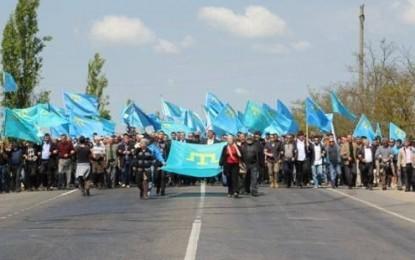 Kırım'da baskı amacıyla göstericiler gözaltına alınıyor