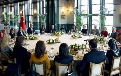 Cumhurbaşkanlığı Sofrası'nda Kadına Yönelik Şiddet Konusu Ele Alındı