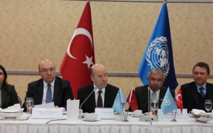 Dışişleri Bakan Yardımcısı Büyükelçi Naci Koru 19 Mart 2015 Tarihinde Düzenlenen Suriye Bölgesel Mülteciler ve Dayanıklılık Planı'nın Türkiye Bölümü'nün Duyurulması Toplantısı'na Katıldı