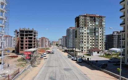 Caddelerde Yenileme Çalışmaları Devam Ediyor