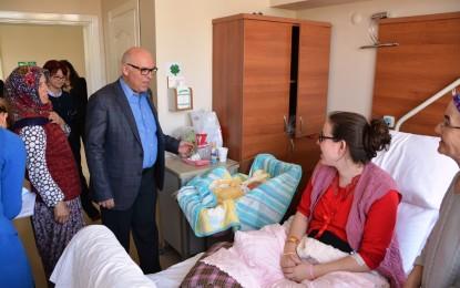 """Eşkinat """"Hoş Geldin Bebek"""" projesini destekleyen hastaneleri ziyaret etti"""