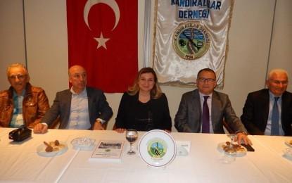 CHP Milletvekili Aday Adayı Diş Hekimi Müzeyyen Topçu Tan Kocaeli Kandıralılar Derneğinde..