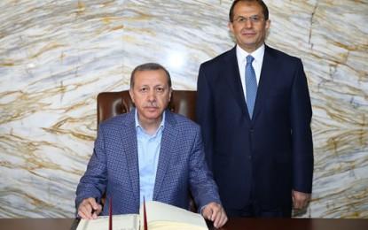 Cumhurbaşkanı Erdoğan, Van'da Valilik ile Garnizon Komutanlığını Ziyaret Etti