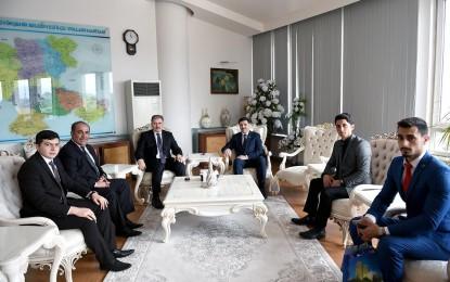 Malatya Belediye Başkanı Çakır'ı ziyaret eden Azeri Milletvekili Hüseyinov:  BELEDİYECİLİK HİZMETLERİNİZ  BİZE NUMUNE OLSUN