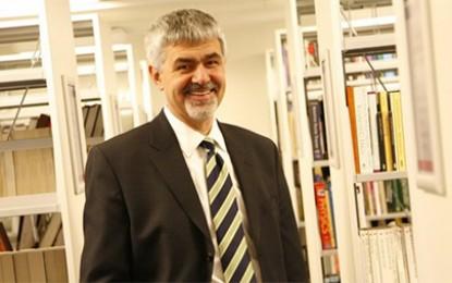 Prof.Dr. Erhan Erkut Gençlerin Görünmeyen Yüzünü Anlatıyor