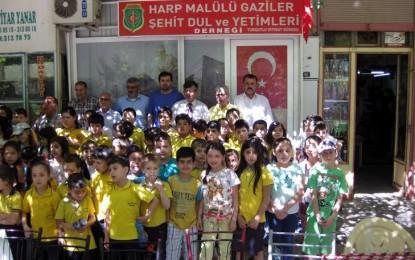 Cumhuriyet İlkokulu, Şehit Ailelerini ve Gazileri Unutmadı