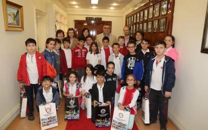 Öğrencilerden Kesimoğlu'na Ziyaret