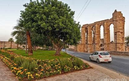 Kıbrıs'da ki Othello Parkı'na Shakespeare'in heykeli