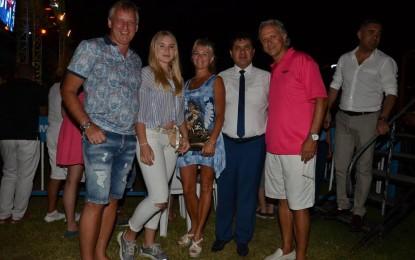 İlk Rus turist kafilesi Antalya'ya gelirken Kemer'de Nasibini Aldı