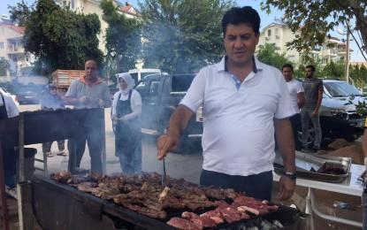 Başkan Gül İşçileri İle Bayramlaşarak Birlikte Yemek Yedi