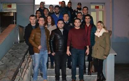 CHP'li Gençler Geceyi emniyette geçirdiler!