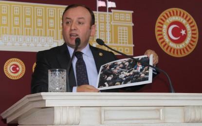 """AKP'li Öztürk """" CHP'nin Meclis Kürsüsünü Kırması Tarihe Sürdüğü Kara Bir Lekedir"""""""