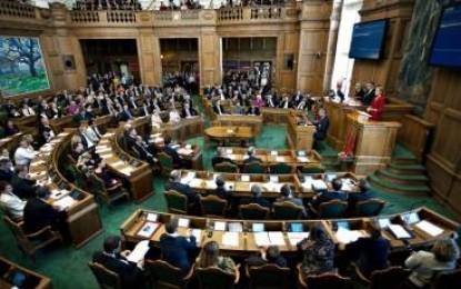 Danimarka parlamentosu uydurma Ermeni soykırımını tanımamak karar verdi