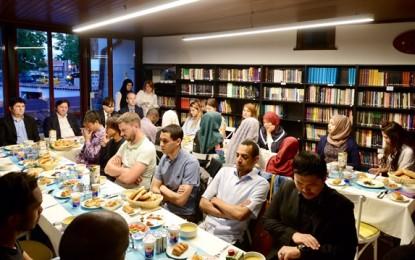 Türkiye'de eğitim gören yabancı öğrenciler iftarda buluştu