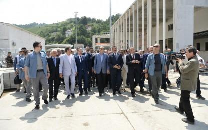 Bakan Tüfenkci, Cumhurbaşkanı Erdoğan'a Sarp Gümrük Kapısı'ndaki yenileme çalışmalarını anlattı