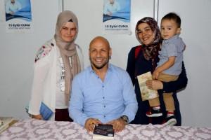 Kahraman Tazeoğlu Manisa'da Okurlarıyla Buluştu