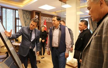 Kazakistanlı İş Adamları Kocaeli'de ki Gebze Teknik Üniversitesini İnceledi
