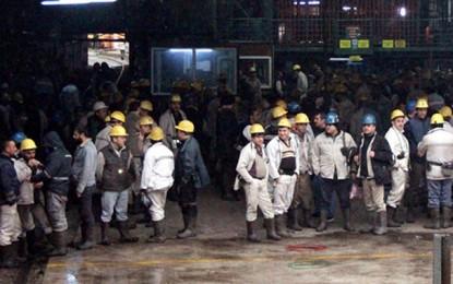 Zonguldak'ta özelleştirmeye karşı maden işçileri maden ocağından çıkmıyor