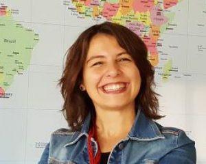"""Türk Kızı Zeynep Yurtoğlu, Hazırladığı """"Hayalimdeki Kütüphane"""" Proje ile Dünya Basınında"""