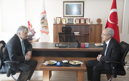 Kayseri Büyükşehir Belediye Başkanı'ndan Hacı Bektaş-ı Veli Derneği ve Vakfı'na taziye ziyareti