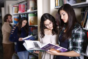 İKÇÜ Kütüphanelerinden Faydalananların Sayısı Yüze 500 Arttı