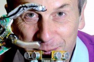 Kevin Warwick Cilt Altına RFID Çipi Takan İlk İnsan Oldu