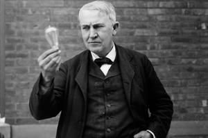 Thomas Edison: Başarısızlık Yeniden Deneyebilme Fırsatıdır!