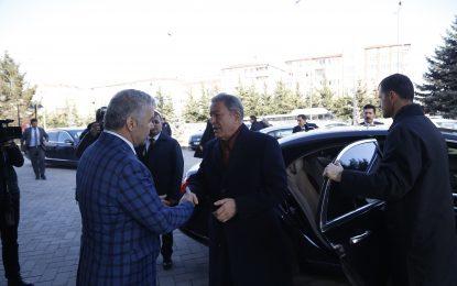 Milli Savunma Bakanı Hulusi Akar, Başkan Mustafa Çelik'i ziyaret etti