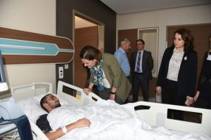 İzmit Belediye Başkanı Av. Fatma Kaplan Hürriyet, İzmitli asker Ramazan Ural'ıtedavi gördüğü hastanede ziyaret etti