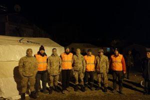 İzmit Belediyesi, Elazığ'da yardımlara başladı